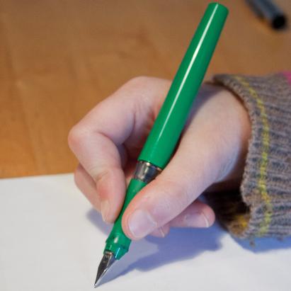 Füllfeder schreiben