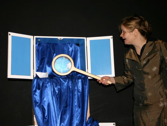 Frau Wassily sieht blau (c) Simone Speh
