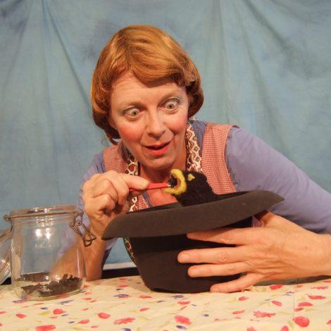 Frau Meier, die Amsel_(c)Mezzanin Theater (1)